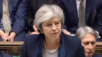 Thủ tướng Anh Theresa May đối mặt với khó khăn sau khi thỏa thuận Brexit bị Hạ viện Anh phản đối