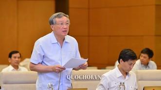 Chánh án Tòa án nhân dân tối cao Nguyễn Hòa Bình giải trình làm rõ vấn đề Ủy ban Thường vụ Quốc hội quan tâm. Ảnh: Quochoi
