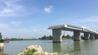 Tôi có thấy: Cầu Long Đại bị bỏ dở dang