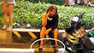 Bà Nguyễn Thị Nga - nữ tài xế xe BMW ở hiện trường sau khi gây tai nạn liên hoàn
