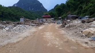 Cả nước có 100.000 hộ dân nằm trong vùng nguy cơ sạt lở