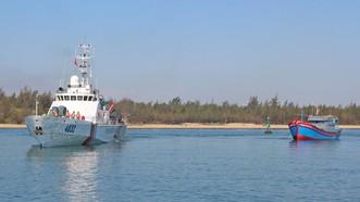 6 ngư dân bị nạn trên biển Hoàng Sa đã được đưa vào bờ