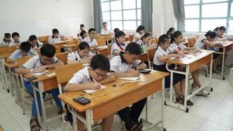 Thí sinh dự thi khảo sát năng lực bằng tiếng Anh lớp 6 Trường THPT Trần Đại Nghĩa