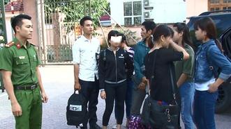 Người mẹ và 3 cô gái trốn thoát khỏi động mại dâm ở Trung Quốc