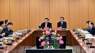 Phó Thủ tướng Vương Đình Huệ làm việc với Bộ Tài chính về vấn đề tiền lương