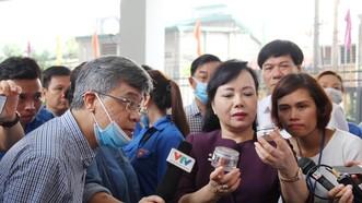 """Bộ trưởng Bộ Y tế yêu cầu việc """"hạ hỏa"""" dịch SXH trên địa bàn Hà Nội phải hiệu quả và quyết liệt hơn"""