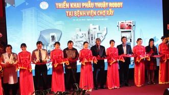 Đây là bệnh viện thứ 3 tại Việt Nam tiến hành ứng dụng robot trong phẫu thuật