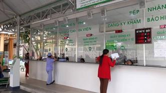 Bệnh nhân đăng ký khám chữa bệnh tại BV quận 2