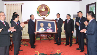 Đoàn đại biểu cấp cao TPHCM chào xã giao Bí thư Tỉnh ủy tỉnh Savannakhet