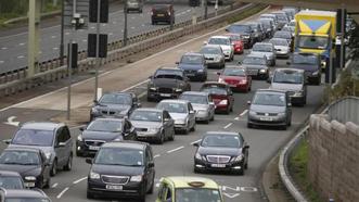 Xe trên 12 năm vào London phải nộp phí độc hại