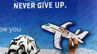 Chiến dịch tìm kiếm MH370 kéo dài 2 năm tốn kém 159,16 triệu USD đã kết thúc vào tháng 1-2017, dù các gia đình nạn nhân phản đối. Ảnh: EPA