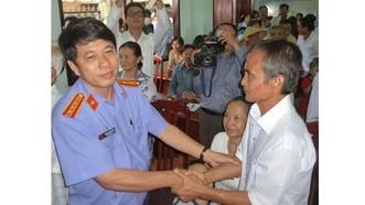 Ông Huỳnh Văn Nén được trả tự do sau hơn 15 năm ngồi tù oan