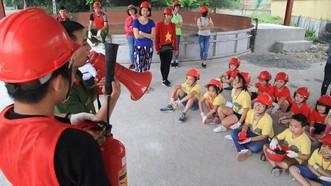 Tập kỹ năng phòng cháy, chữa cháy và cứu nạn cho học sinh