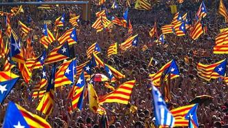 Tây Ban Nha sẽ giải tán chính quyền Catalonia