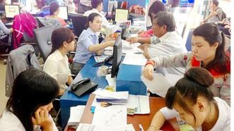 Thí sinh nộp hồ sơ xét tuyển NV2 tại Trường ĐH Nguyễn Tất Thành. Ảnh minh họa