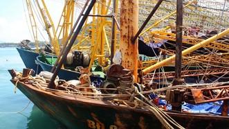 Tàu vỏ thép hư hỏng, gỉ sét nặng không phải do hàm lượng Mn thấp mà do DN làm dối.  Ảnh: NGỌC OAI