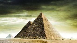 埃及胡夫金字塔。