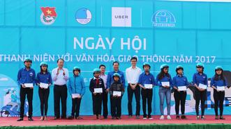 Hơn 1.000 thanh niên dự Ngày hội Thanh niên với văn hóa giao thông 2017