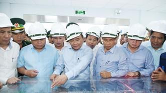 Thủ tướng thị sát sơ đồ tổng thể khu xử lý môi trường Formosa