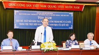 Bí thư Thành ủy TPHCM Nguyễn Thiện Nhân phát biểu tại tọa đàm