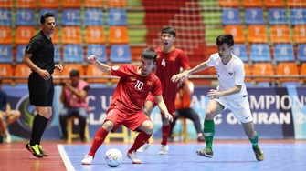 Việt Nam dừng bước ở vòng tứ kết sau trận thua Indonesia. Ảnh: Anh Trần