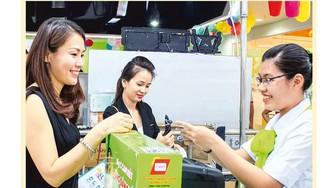 Phải kết nối hạ tầng đồng bộ để nhân rộng mô hình thanh toán không dùng tiền mặt khi mua sắm.