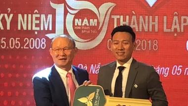 Vợ chồng HLV Park Hang-seo được tặng nhà ở Đà Nẵng