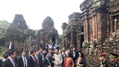 Tổng thống Ấn Độ và Phu nhân thăm Di sản văn hóa thế giới Mỹ Sơn