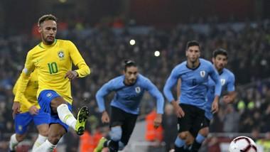 Neymar tiếp tục cải thiện kỷ lục ghi bàn cho Selecao. Ảnh: Getty Images