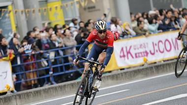 Vincenzo Nibali trên đường đua