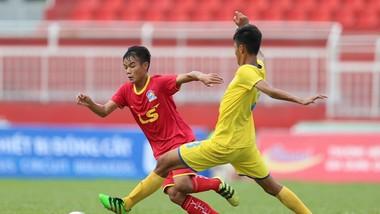 Viettel (áo đỏ) giành chiến thắng dễ dàng trước Khánh Hòa