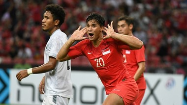Niềm vui của Ikhsan Fandi sau khi ghi bàn