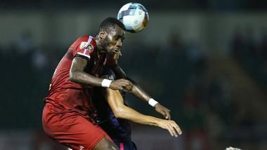 """CLB TPHCM giành chiến thắng cách biệt trong trận """"derby với đội cùng thành phố là CLB Sài Gòn. Ảnh: DŨNG PHƯƠNG"""