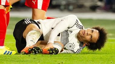 Leroy Sane đã may mắn tránh khỏi chấn thương nghiêm trọng. Ảnh: Getty Images
