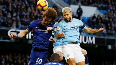 David Luiz (trái, Chelsea) và Sergio Aguero (Man City) sẽ là 2 nhân tố quyết định cuộc chiến.