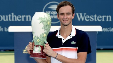 Với ngôi vô địch Cincinnati Masters, Medvedev đã thành danh trên đất Mỹ