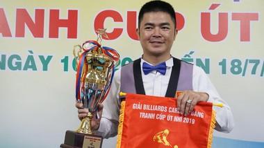 Cơ thủ Nguyễn Quốc Nguyện với chức vô địch.
