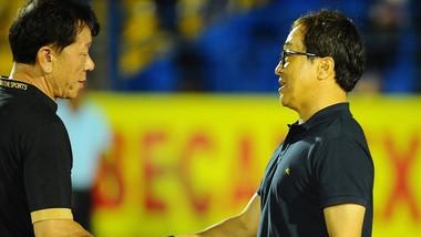 Chờ đợi cuộc so tài giữa hai nhà cầm quân người Hàn Quốc ở vòng 6. Ảnh: DŨNG PHƯƠNG