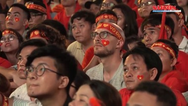 """""""Cháy vé"""" trận tuyển Việt Nam - Malaysia sau một ngày mở bán"""