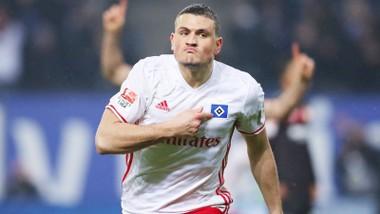 Hamburg đã mua đứt trung vệ Kyriakos Papadopoulos từ Leverkusen để củng cố hàng thủ.