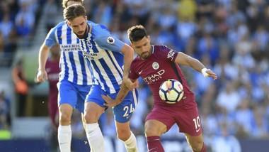 Sergio Aguero (phải) đang khẳng định được vai trò ở Man.City.