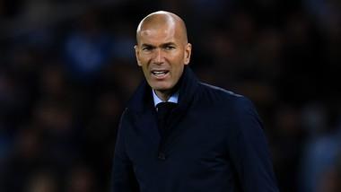 Zidane muốn mua thêm cầu thủ. Ảnh: Getty Images