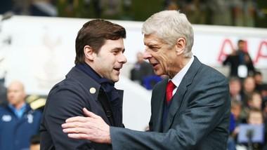 Arsene Wenger (phải) và Mauricio Pochettino xem ra khó thân thiện trong lần gặp nhau này. Ảnh: Getty Images