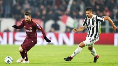 Messi (trái) vào sân hiệp hai vẫn không thể giúp Barca chiến thắng. Ảnh: Getty Images