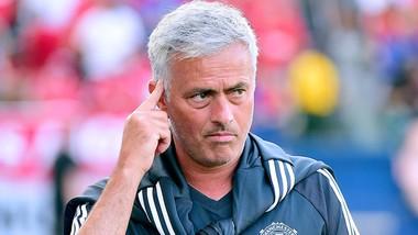 Mourinho liên tục công khai bày tỏ thất vọng về công tác tuyển mộ tân binh