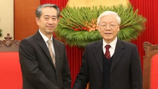 總書記、國家主席阮富仲接見熊波大使。(圖源:VOV)