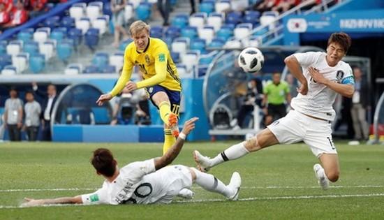 瑞典(黃衣)進攻次數比韓國隊多。