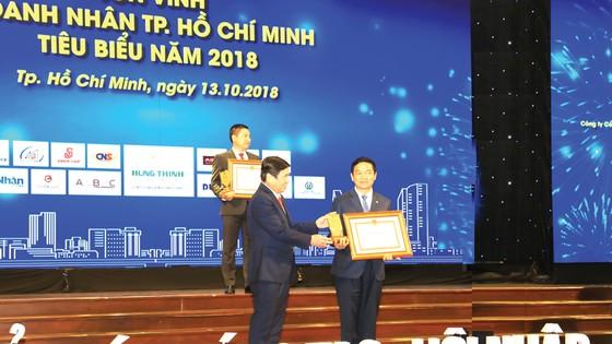 Công ty CP Tập đoàn Xây dựng Hòa Bình vinh dự Tốp 10 Doanh nghiệp TPHCM tiêu biểu 2018