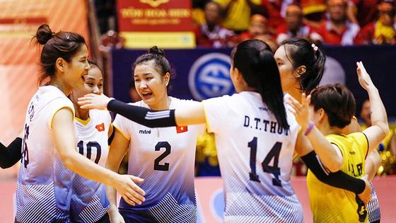 Sáng 17-8, đội tuyển bóng chuyền nữ Việt Nam đã lên đường tham dự Asiad 2018. Ảnh: MINH HOÀNG