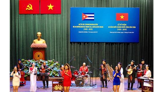 Kỷ niệm 60 năm  Quốc khánh Cộng hòa Cuba